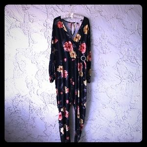 3X Stretchy Jumpsuit with Long Sleeve Flower Print